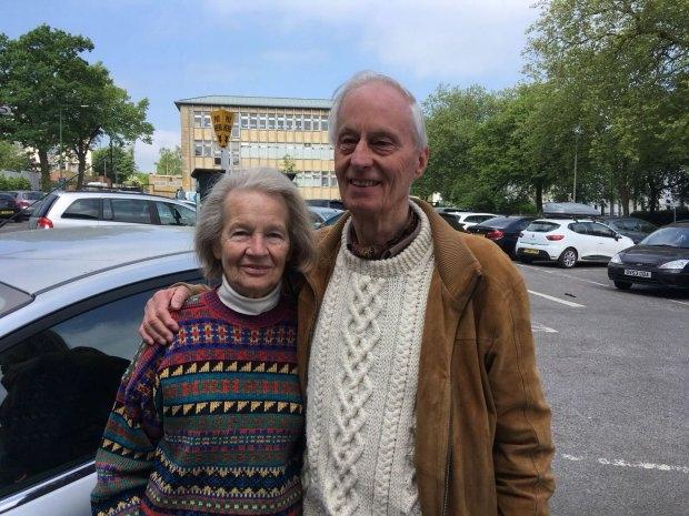 Пожилая пара нашла свой автомобиль, который они забыли, где припарковали его неделю назад