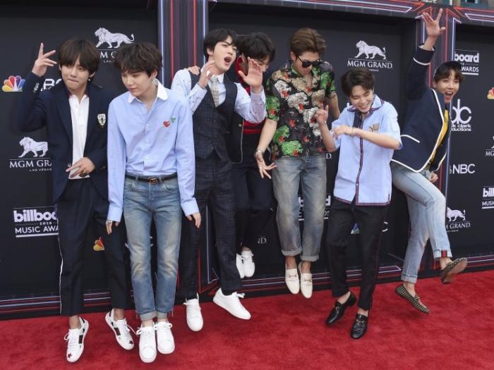 Последний альбом BTS Love Yourself: Tear достиг рекордной отметки в 1 миллион продаж
