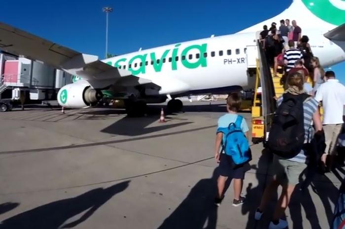 Рейсу из Нидерландов пришлось срочно приземлиться по причине «невыносимого» запаха от одного пассажира