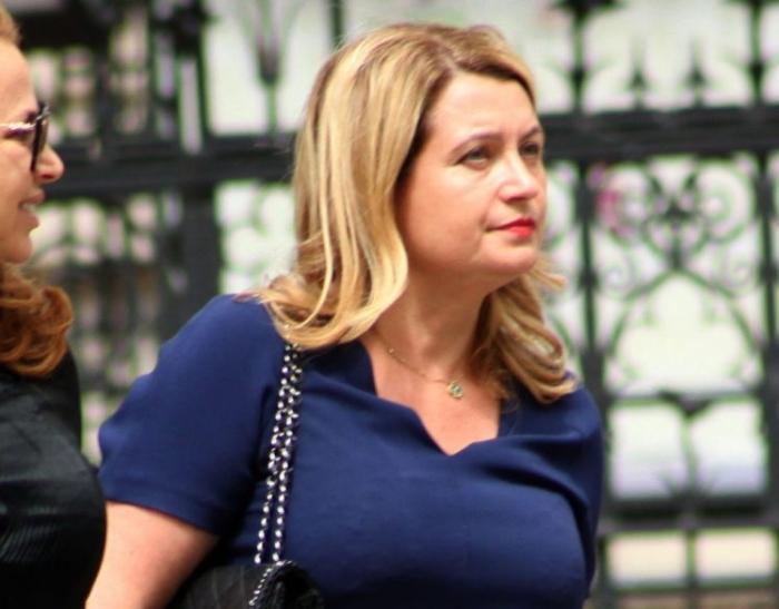 Женщина подала в суд на агентство знакомств после того, как ей не удалось найти богатого мужа