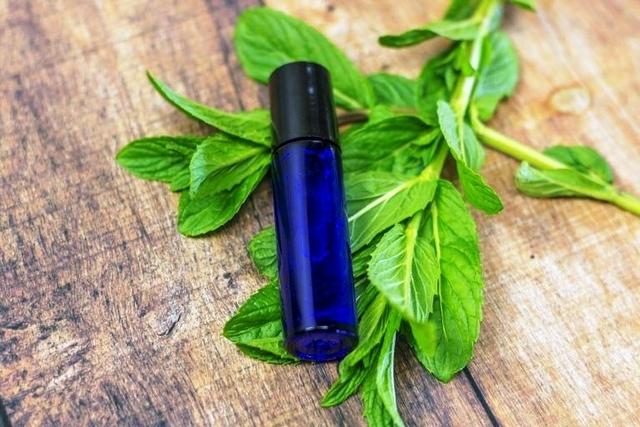 Избавление от головной боли с помощью эфирного масла