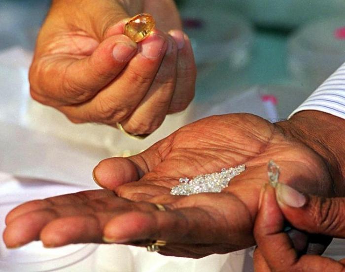 Ученые только что обнаружили алмазов на 150 000 000 000 000 000 000 000 000 000 фунтов стерлингов в Земле