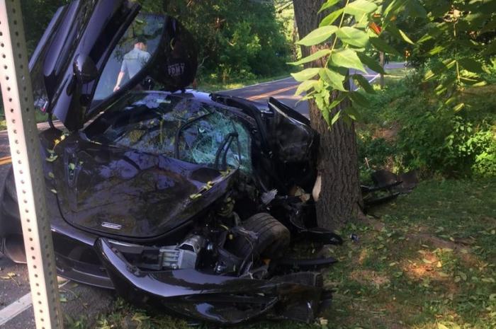 Богатый автолюбитель разбил свой спортивный МакЛарен стоимостью 226 000 фунтов стерлингов - и сдал его в утиль на следующий день