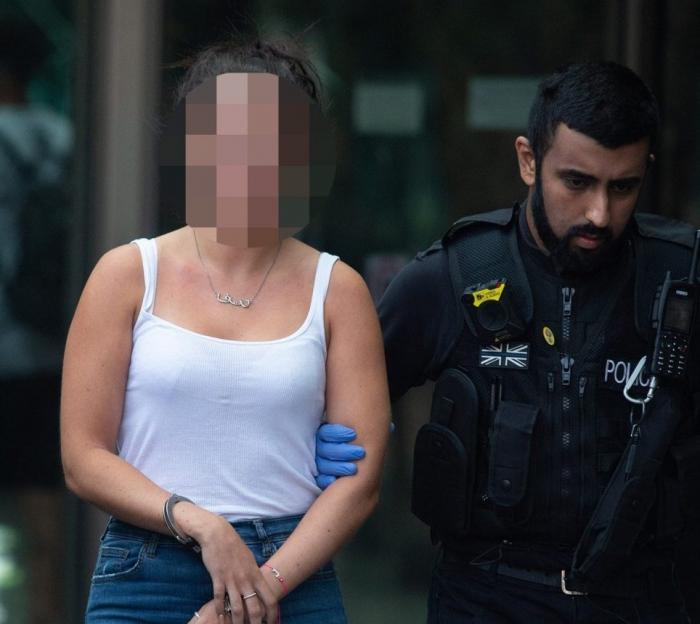 У женщины «порезали горло» при нападении в отеле Хилтон в Манчестере
