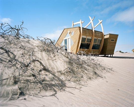 Домик в пустыне после кораблекрушения может быть идеальным удаленным отдыхом