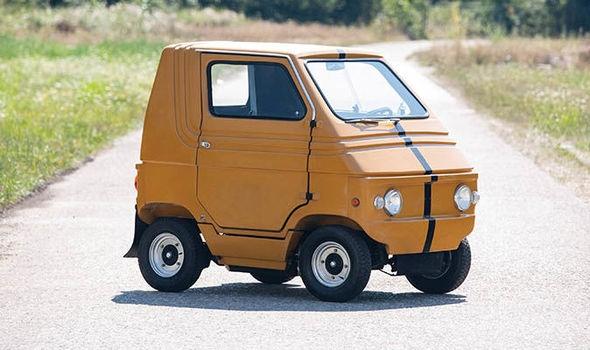 Самые маленькие автомобили в мире, которые будут проданы на аукционе в следующем месяце в Великобритании - вы бы поехали на таких?