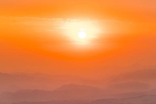 Тепловая полоса только начинается, потому что она будет «аномально» горячей в течение следующих четырех лет, предупреждают ученые