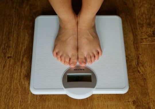 Ученые подтверждают, что мужчины теряют вес быстрее, чем женщины, и это несправедливо