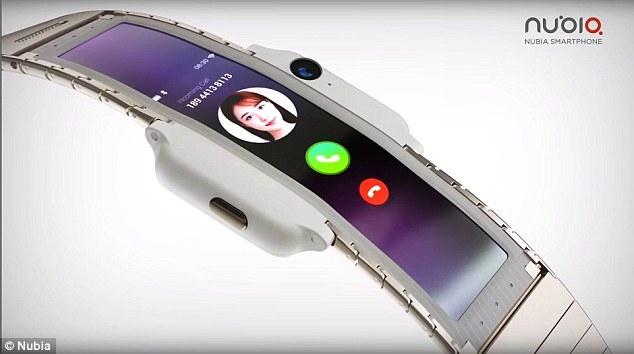 Гибкий телефон, который вы можете обернуть вокруг запястья: китайская фирма займется с Apple новейшим телефоном