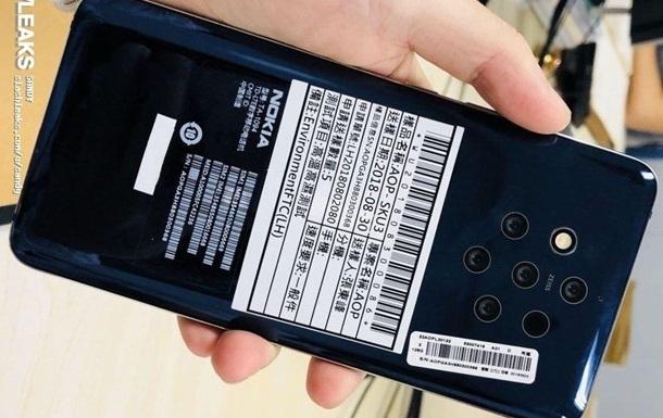Nokia готовит смартфон с пятью камерами.
