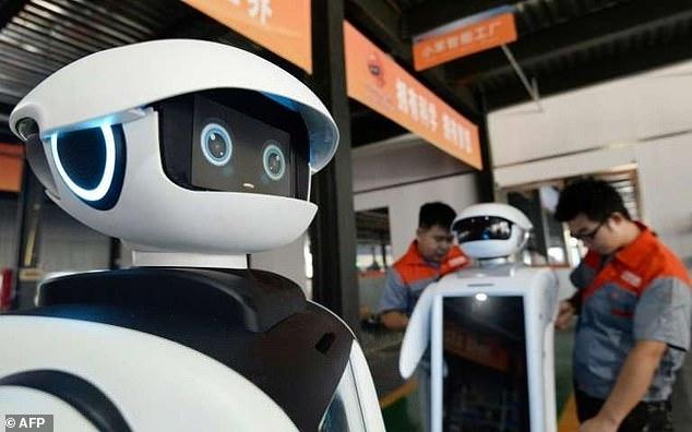 Роботы и искусственный интеллект возьмут на себя все задачи на рабочем месте к 2025 году, предупреждает Всемирный экономический форум