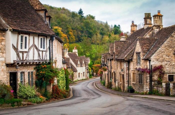 Самые живописные улицы Англии с мощеными мостовыми и историческими зданиями