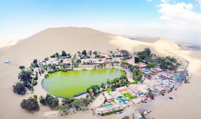 Как город оазис Уакачина в пустыне Атакама в Перу стал популярным местом отдыха для приключенческих видов спорта