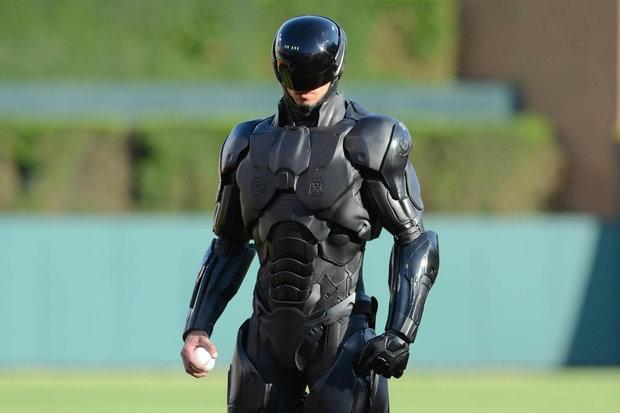 Смешно! Настоящий Робот полицейский для поддержания правопорядка появится к 2020 году