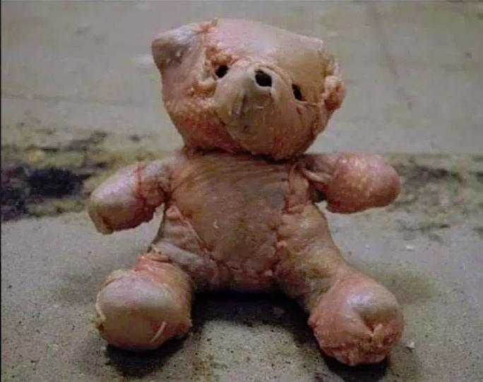 Индейка зашитая в форме плюшевого медведя — это просто рождественский ужас