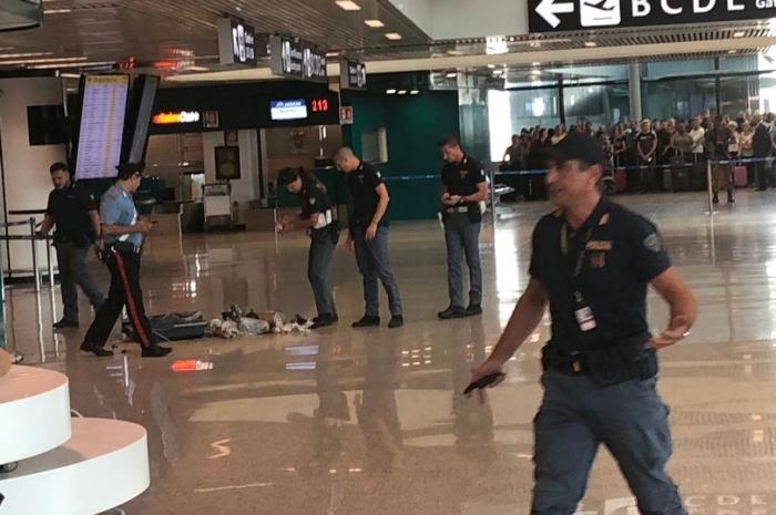 Полиция взрывает подозрительный чемодан в аэропорту Рима, а там …