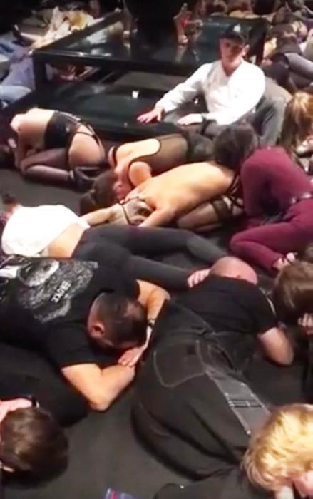 Полиция штурмует подпольный секс клуб в Ростове-на-Дону
