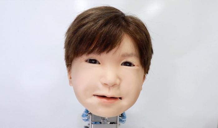 Страшный робот ребёнок имеет устрашающе реалистичное лицо для «более глубокого взаимодействия с людьми»
