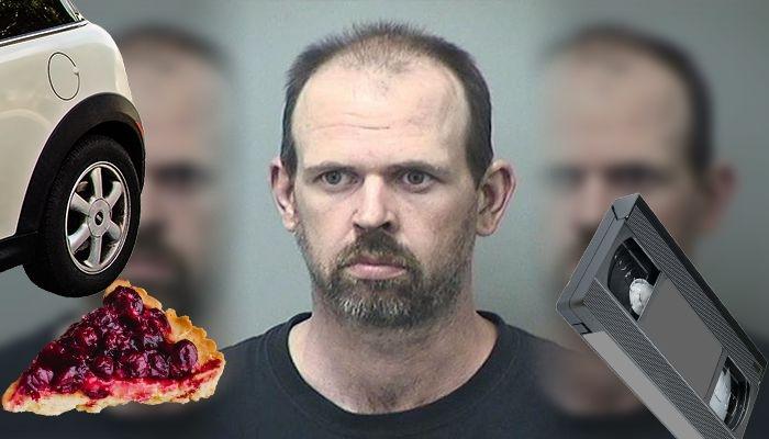Мужчина прятал вишневые пироги под колесами автомобилей женщин, чтобы увидеть, как они изгибались