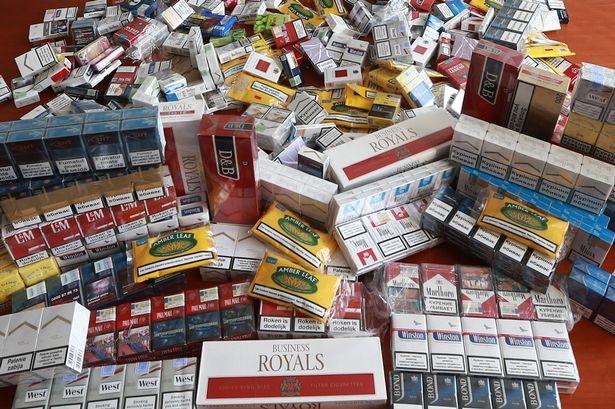 Миллионы нелегальных сигарет, набитых смертельным асбестом и пометом наводнили Англию, предупреждают чиновники
