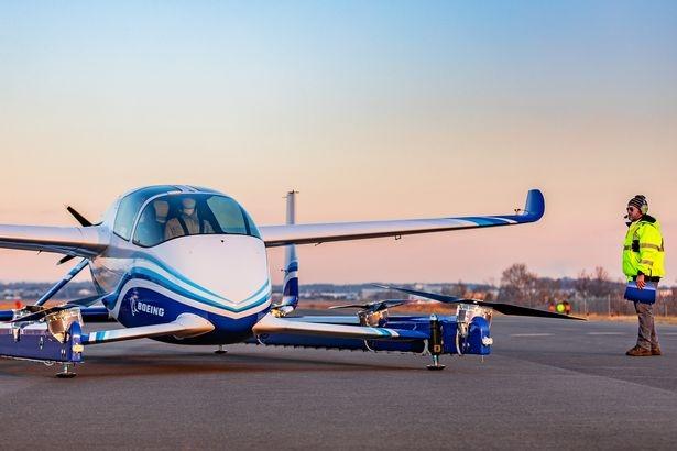 Летающий автомобиль Боинг впервые поднимается в воздух - и это выглядит потрясающе