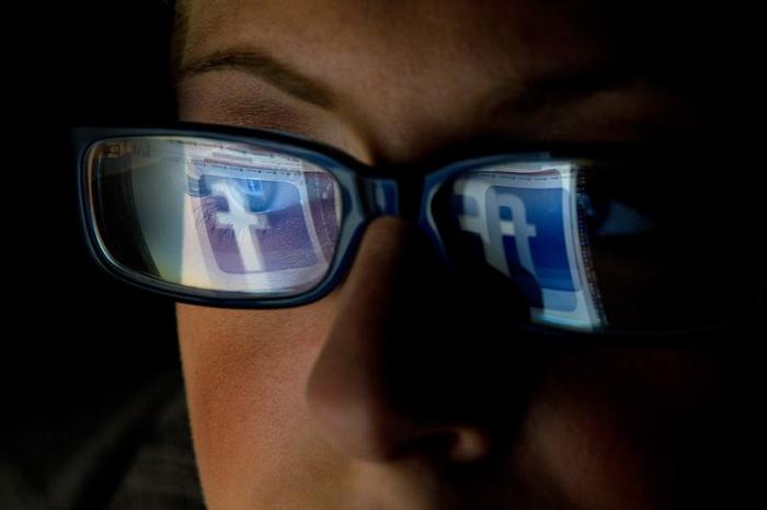 Фейсбук хочет жить, притаившись в ваших глазах и видеть то, что видишь ты
