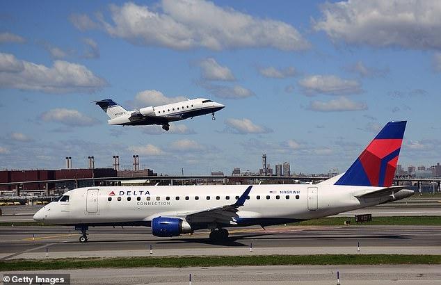 При сильнейшей воздушной качке пять пассажиров были ранены в ужасном полете компании Дельта
