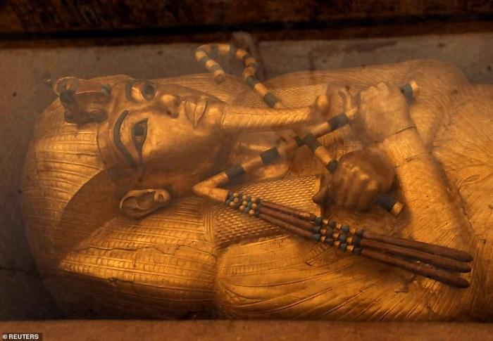 Фото мумифицированных останков Тутанхамона обнаружены после девятилетней реставрации его знаменитой гробницы