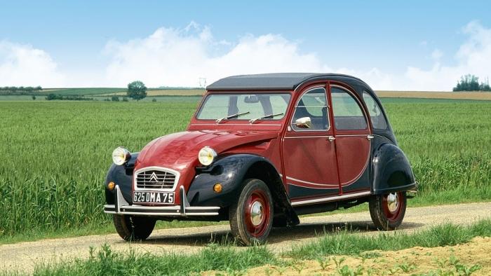 Французский автопроизводитель представляет концепцию электромобиля, вдохновленную иконой автомобилем 1940-х годов
