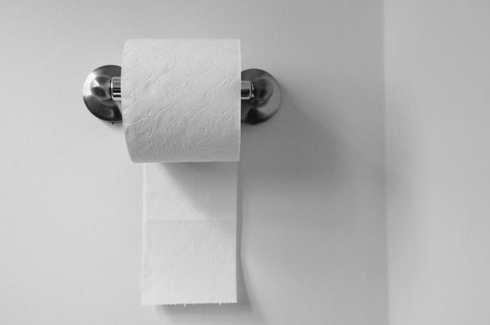 Споры по поводу закрепления туалетной бумаги окончательно решены благодаря 128-летнему руководству