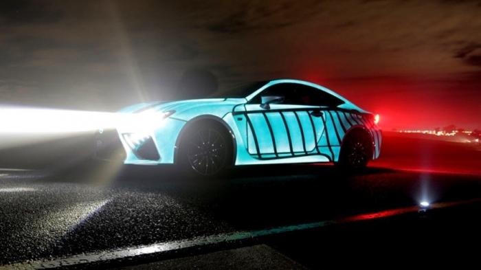 Невероятная светящаяся краска LumiLor включается и выключается на вашем автомобиле