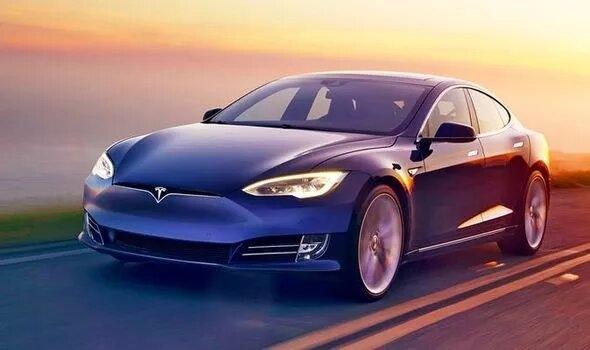 Следующие батареи электромобилей Tesla смогут проехать один миллион миль, утверждает Элон Маск
