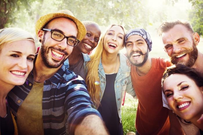 Исследования показывают, что миллениалы больше верят звездам ЮТуб и блогерам, чем своим родителям