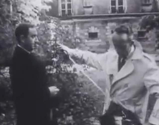 Захватывающий фильм показывает последний поединок Франции: два политика сошлись на дуэль за свою честь в 1967 году