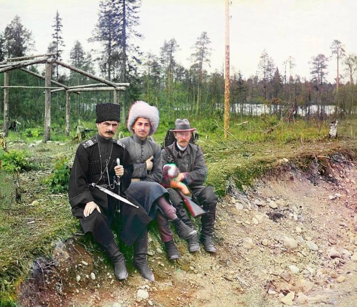 Невероятные первые цветные фото показывают жизнь Российской империи до революции