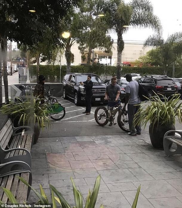 Охранники Шварценеггера хватаются за TASER когда «вор, пытается украсть электрический велосипед 71-летнего актера» возле спортзала