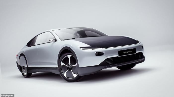 Голландская фирма выпускает автомобиль на солнечных батареях стоимостью 134 000 фунтов стерлингов