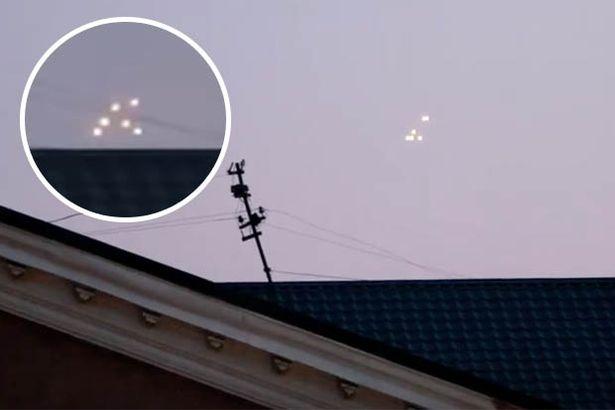 Группа НЛО была обнаружена над Крымом в причудливых клипах