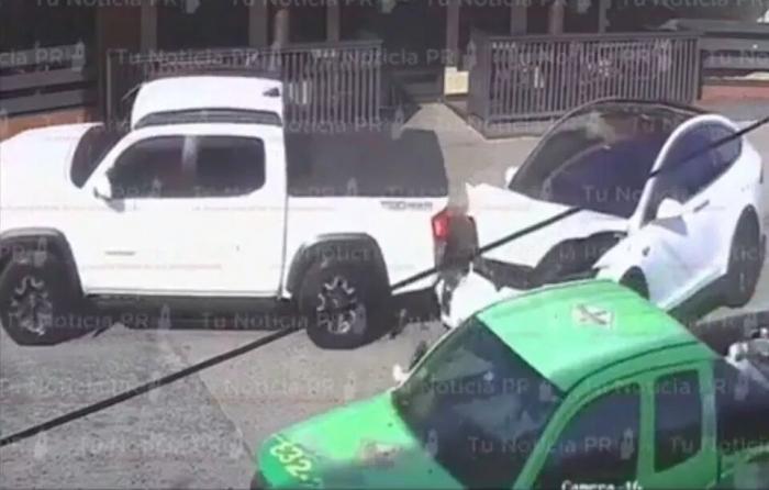 Да уж, опять эта ТЕСЛА. Автомобиль Тесла «сошёл с ума» и чуть ли не врезался в пешехода, автоматически «ускорившись»
