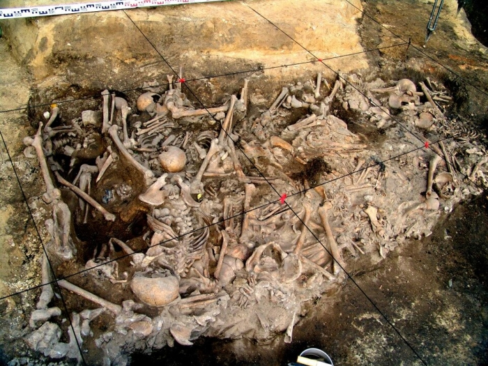 Ужасная яма для захоронения из «города, утонувшего в крови», показывает, как монголы убивали целые семьи во время европейского вторжения