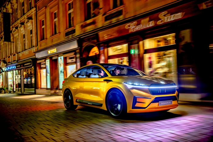 Светящаяся электрическая Skoda Vision iV, это фантазия, которая станет реальностью в 2021 году