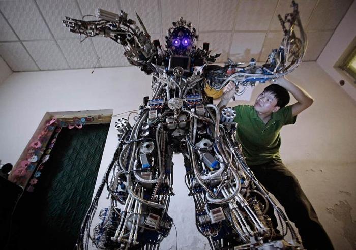 Маск предупреждает о наступлении роботов. «Если они быстро развиваются, то что-то случится»