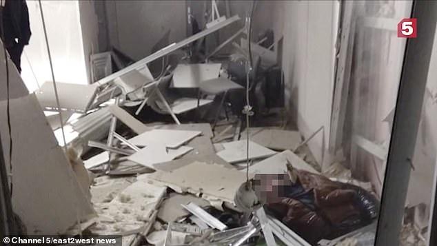 Грабитель подорвал себя, устанавливая взрывчатку на банкомате в России.