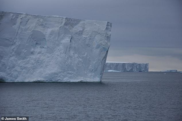 Ученые говорят, что обрушения шельфа льда Антарктиды неизбежно, потому что лед тает слишком быстро уже 300 лет