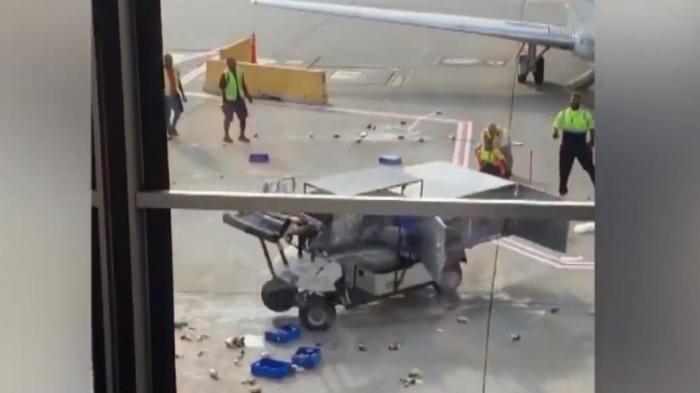 Потерявшая управление машина для питания American Airlines совершила переполох на аэродроме