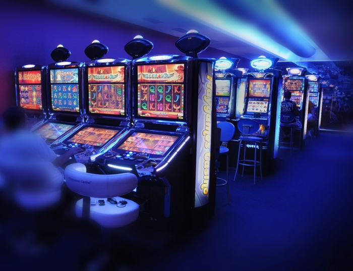 В онлайн казино ЧЕМПИОН выигрывают не только в игровые автоматы, но и в рулетку. Заходите!
