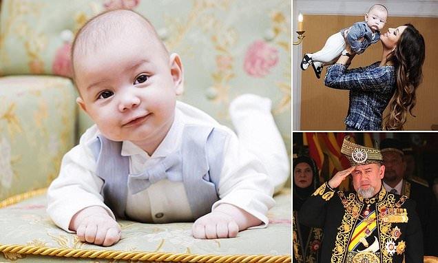 Король Малайзии наносит ответный удар своей «жестокой и мстительной» бывшей жене российской модели. Мальчик «не похож на него»