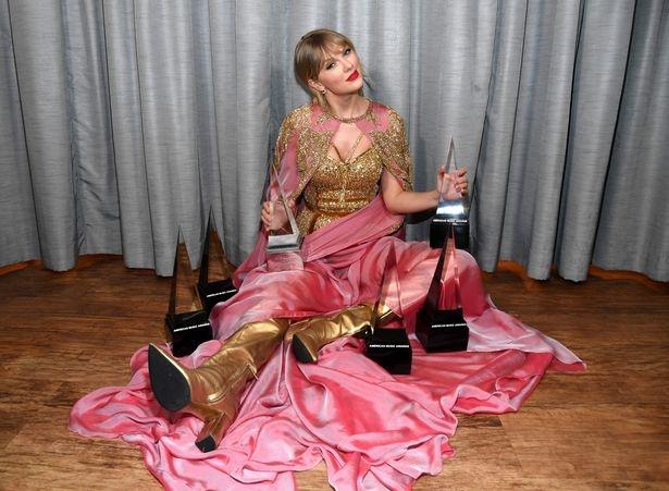 Певица Тейлор Свифт теперь лидер по наградам, обогнав даже Майкла Джексона