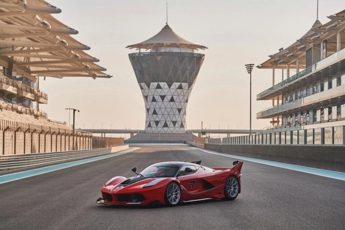 Парк самых дорогих суперкаров в мире выставляется на аукцион в Абу-Даби за 21 млн. фунтов стерлингов