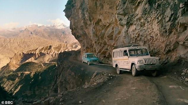 ТВ программа Top Gear выпустила рождественский трейлер показывающий опасное путешествие по Непалу. Захватывает!